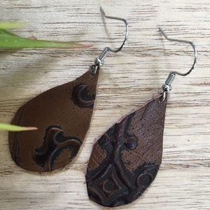 Boutique Leather Earrings Brown Pattern New!